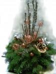 Striebornomedený vianočný aranžmán