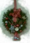 Striebornočervený vianočný veniec