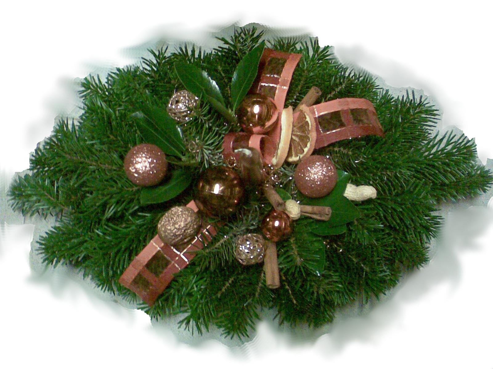Medenooranžový oválny vianočný aranžmán