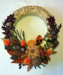 Bordovooranžový jesenný veniec