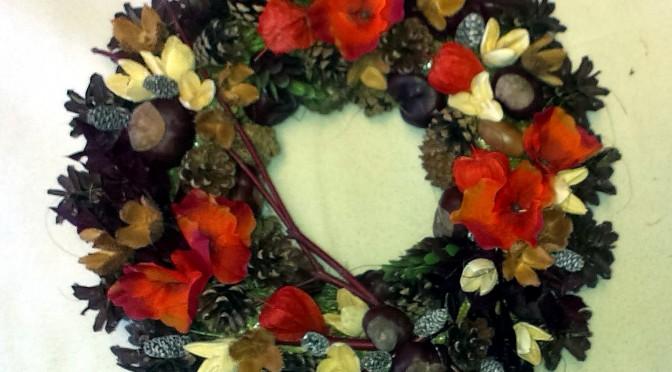 Hnedooranžový jesenný veniec