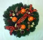 Oranžovoprírodný adventný veniec