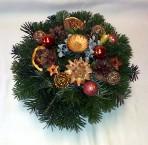 Medenooranžový vianočný aranžmán