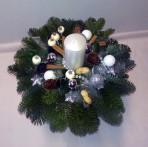 Striebornobiely vianočný aranžmán