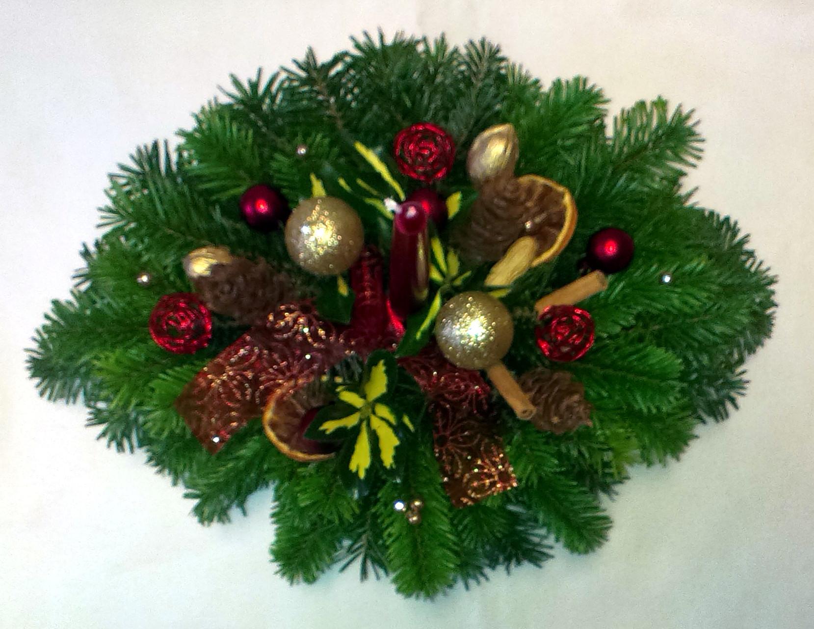 Bordovozlatý vianočný aranžmán