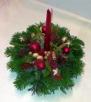 Bordovoprírodný vianočný aranžmán