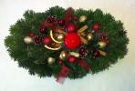 Zlatočervený oválny vianočný aranžmán